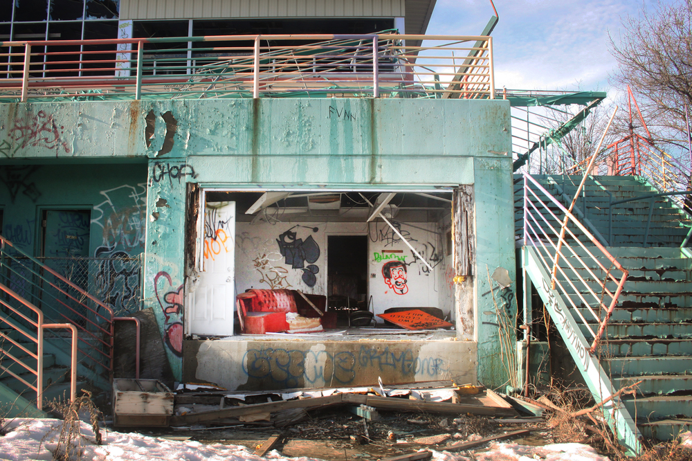 Abandoned Clubhouse | 2011