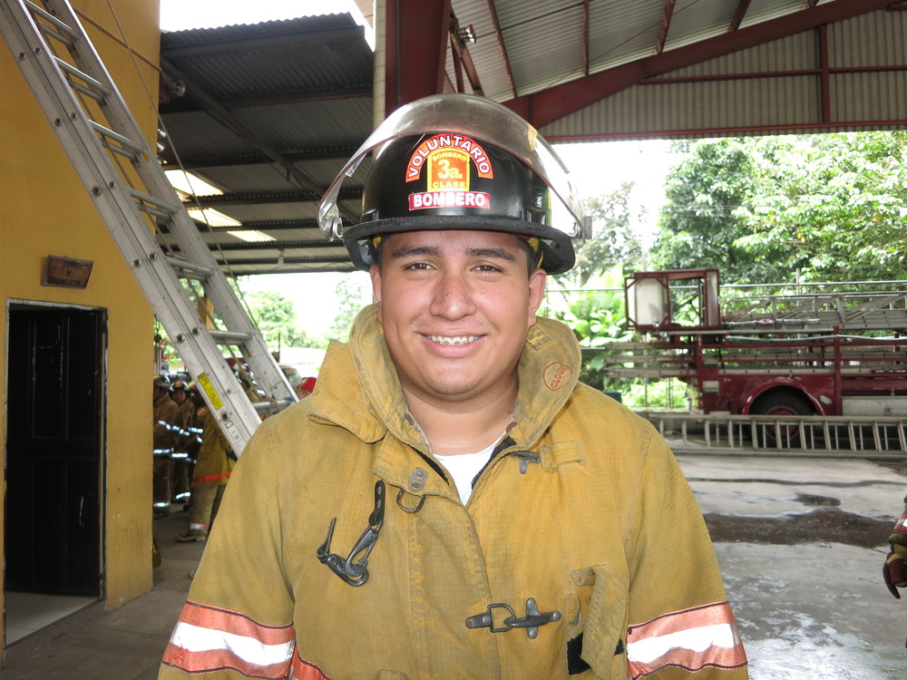 José Mario Díaz Minera, 21 years old, 2 ½ years as a volunteer, studying medicine