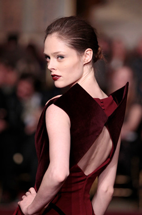 Velvet Bourdeaux cut out / NYFW 2013 - Zac Posen