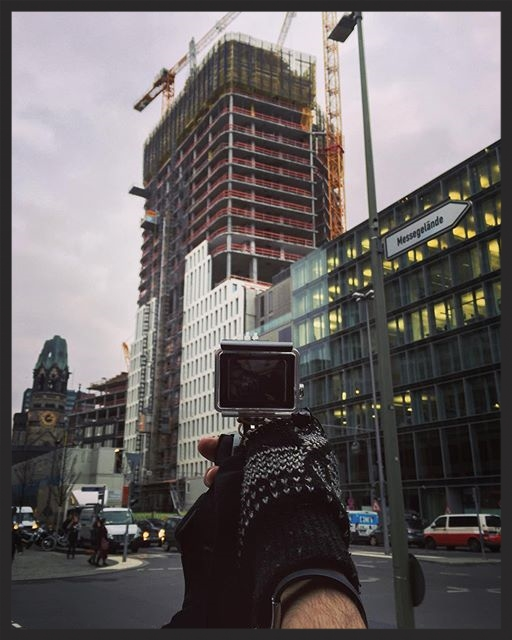 One of my favorite things to explore is construction sites. The views that we always watch can change at any moment and most of the times we don't even notice. Berlin knows something about it.