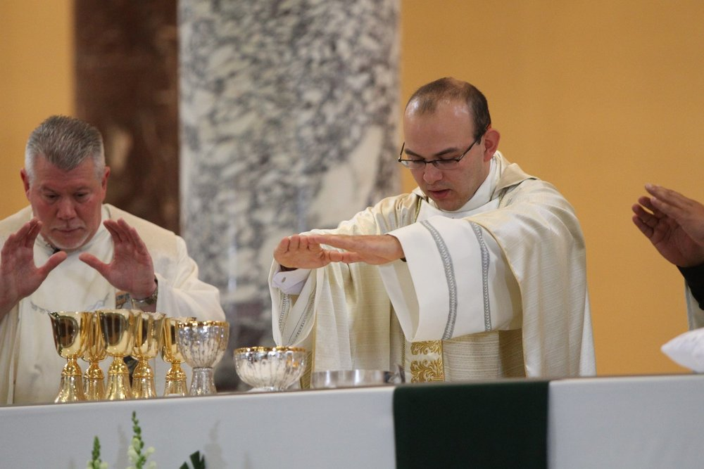 Fr. Homero celebrating his first Mass as the Principal Celebrant in Chicago on June 9, 2013
