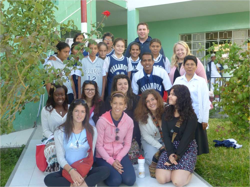 Villanova College students from Canada donate school apparel to local students in Northern Peru