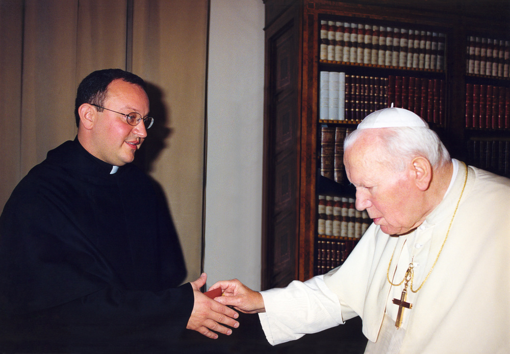 Fr. Bernie Scianna, O.S.A., meets His Holiness St. John Paul II