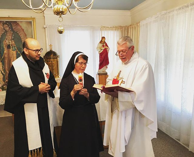 Augustinian Sr. Pureza Rosas, OSA celebrated the 50th anniversary of her vows last week with Fr. Homero (left) and Fr. Tony (right) #nuns #augustinian #catholic #religion #prayer #vows #live #anniversary