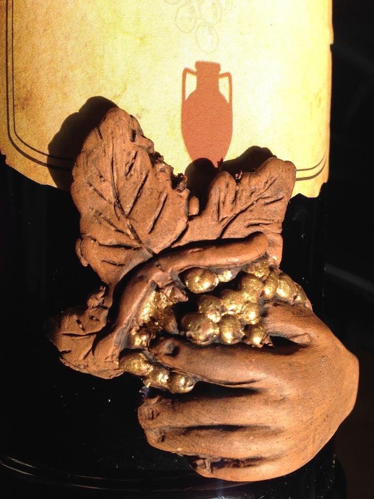 """Il dettagliodell'etichetta di questa""""edizione speciale"""" del Capasonato Vino Rosso 1984/85"""