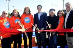 Billy Crystal Ribbon Cutting LB Basketball Courts.jpg