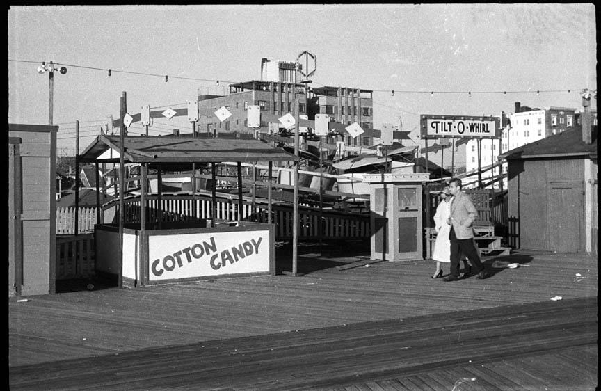 Boardwalk Gruberg's Tilt O Whirl.jpg