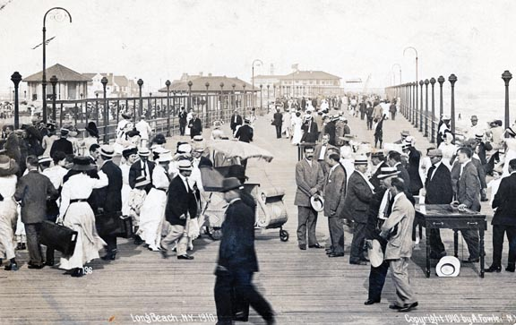 Boardwalk 1910 (2).jpg