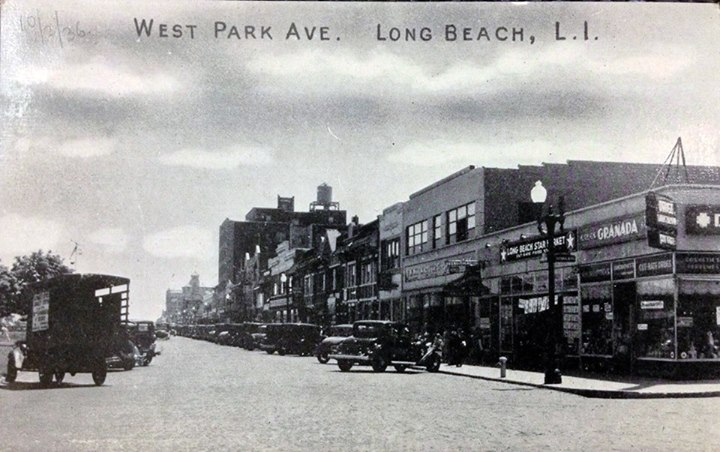 Park Ave Looking East Granada Drugs 1935.jpg
