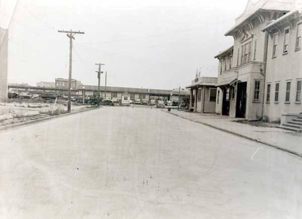 Fire Dept Looking East Centre Street 1940.jpg