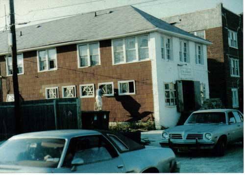 Hotel Arizona 1980's.jpg
