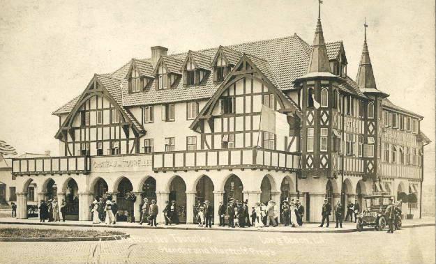 Hotel Lafayette 1 Chateau Tourelles   Huber.jpg
