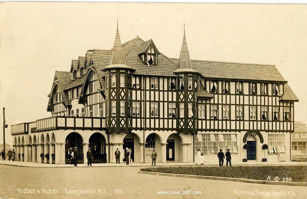 Hotel Lafayette 2 1911 Hubers (2).jpg