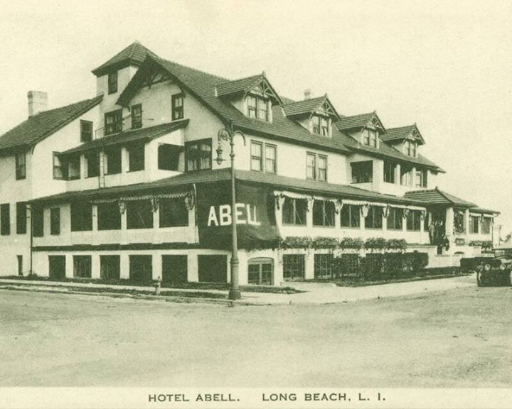 Hotel LB 1 Inn Abell moved from National Blvd to Long Beach Blvd 1909.jpg