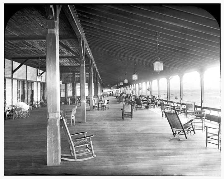 Hotel Long Beach 1880-1907 East Veranda.jpg