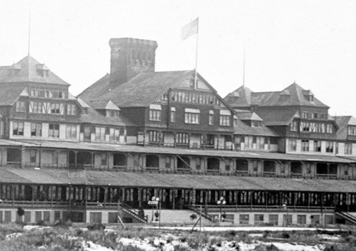 Hotel Long Beach 1904 Great Chimney.jpg