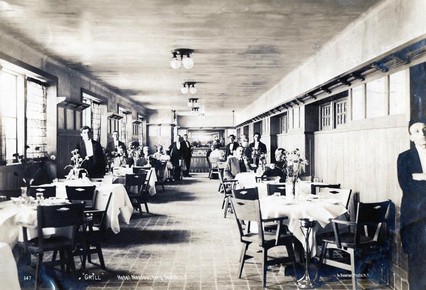 Hotel Nassau 1913  Dining Room.jpg