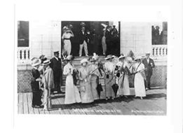 Hotel Nassau 1918 Votes for Women 2.jpg
