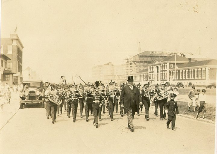 Long Beach Memorial Day Parade 1920's.jpg