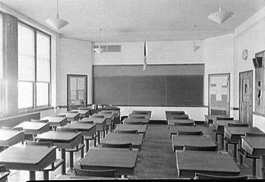 Long Beach Schools Lindell Classroom.jpg
