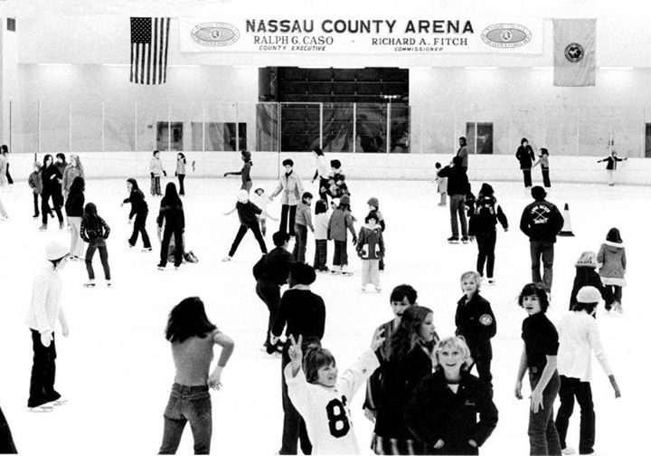 Long Beach Recreation Ice Rink 1975.jpg