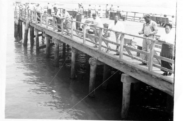 Magnolia Pier 1950's.jpg