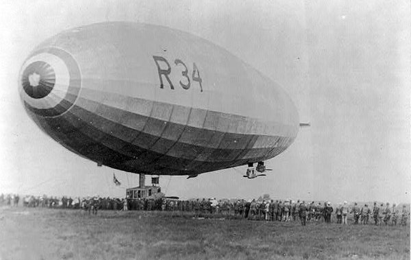 Zeppelin British Dirigible R34 Mineola 1919.jpg