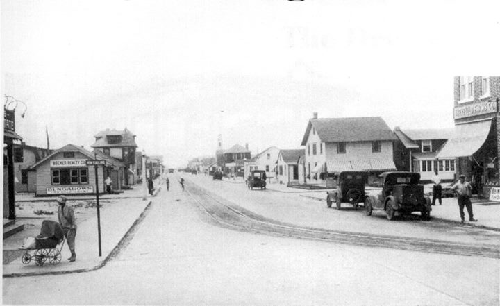 West End Looking West  New York Ave West Beech St   1918.jpg