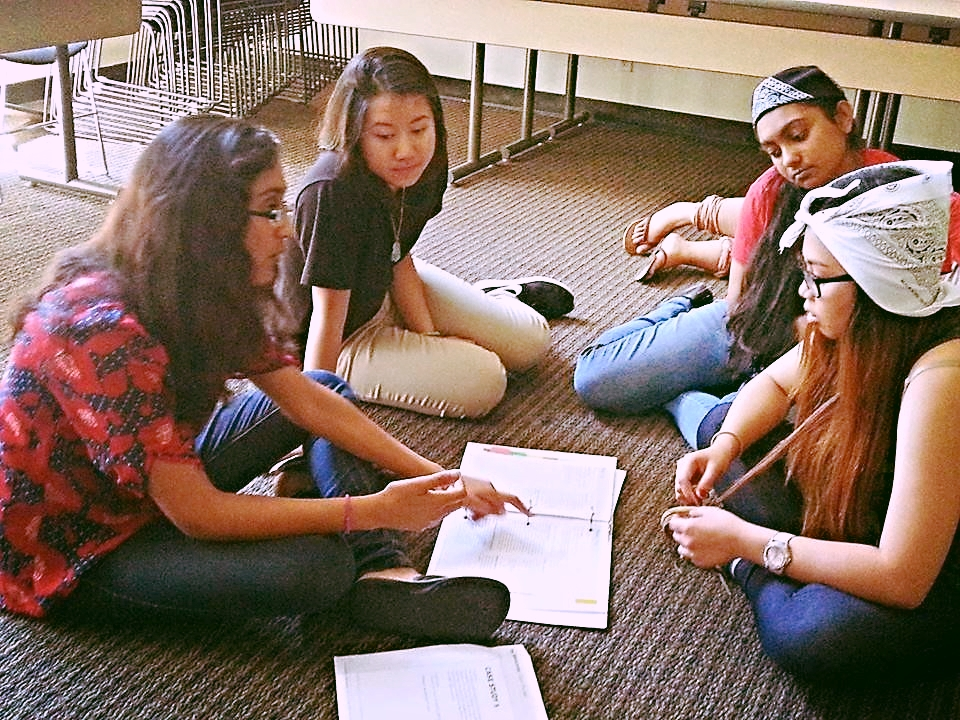 Hetal and her team plan their campaign to educate their fellow peers about International Humanitarian Law.