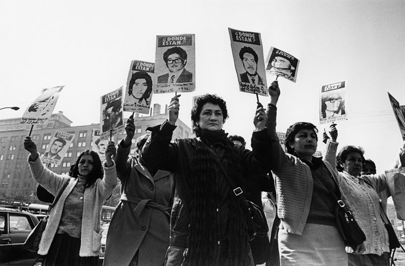 Chile marks Day of the Disappeared as they commemorate loved ones still lost during Pinochet's dictatorship (Santiago Times)