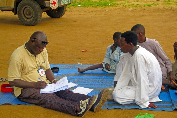 An ICRC employee registers unaccompanied children in Baga Sola, Chad. Photo Credit: BY-NC-ND / ICRC / Jesus Serrano Redondo