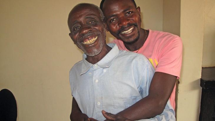 Rwanda. Raymond Ngendahimana and his father Jean Biziyaremye. CC BY-NC-ND / ICRC / Emmanuel Nyandwi