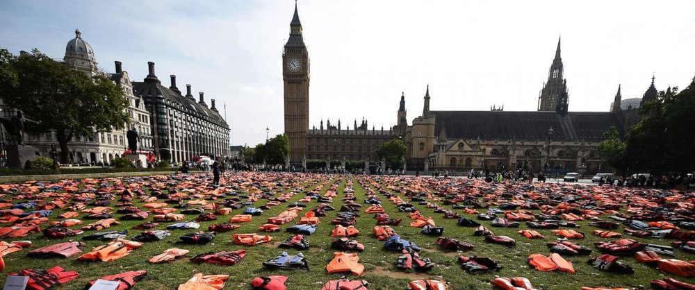 Life jackets of lives lost at sea spread out in London. Photo Credit: Lora Moftah