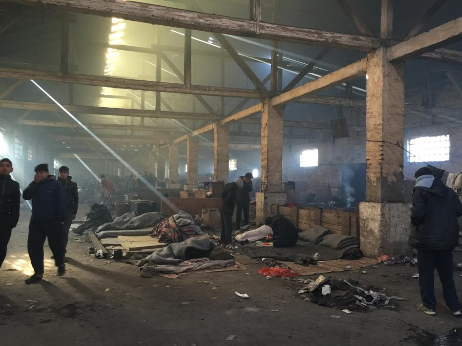 Asylum seekers residing in abandoned warehouses behind train station in Belgrade. Photo credit: © 2016 Lydia Gall/Human Rights Watch