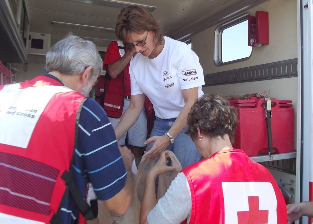 Red-Cross-Grainger-Volunteer-1510x1080.jpg