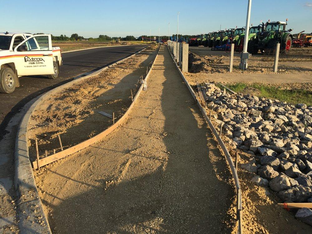 2017-06-12 (3) Harrington Ridge sidewalk is formed up.JPG