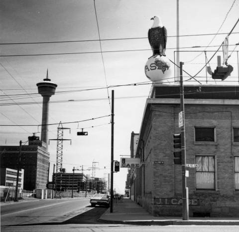 This eagle landed on the J I Case building (349-351 10th Ave SW) in 1894. The threshing machine business closed in 1969, the eagle made its way to the Glenbow Museum, and Rodney's Oyster House serves seafood in the old Case premises. (Photo: Calgary Public Library Alison Jackson Collection)