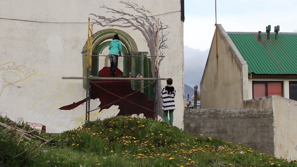 Mural en el fin del mundo - Painting a mural on the streets of Ushuaia, Argentina, the southernmost city on earth