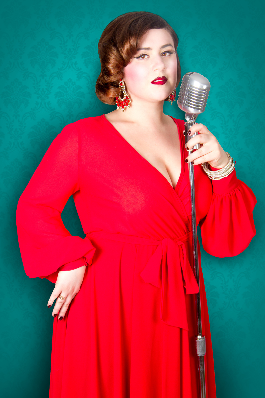Shy Shy Schullie de la troupe Cabaret Capone, Photo parFrank Lam