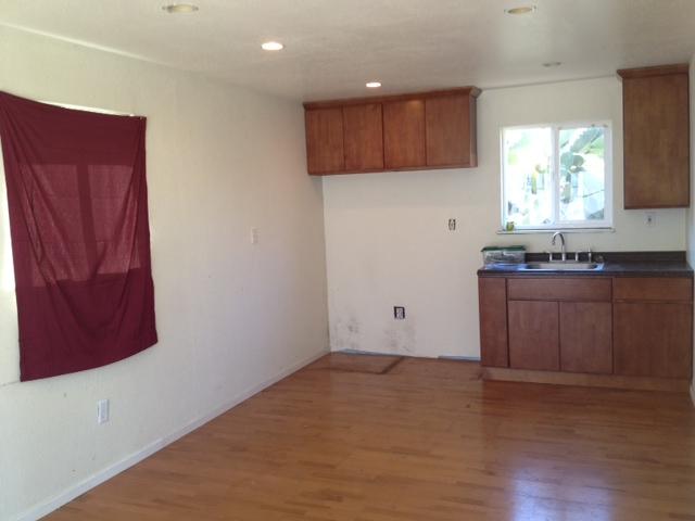 Apartment-living-room.jpg