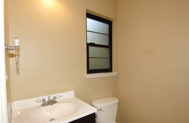 Half-bathroom-.jpg