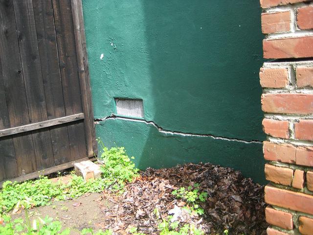 cracks-by-chimney-base.jpg