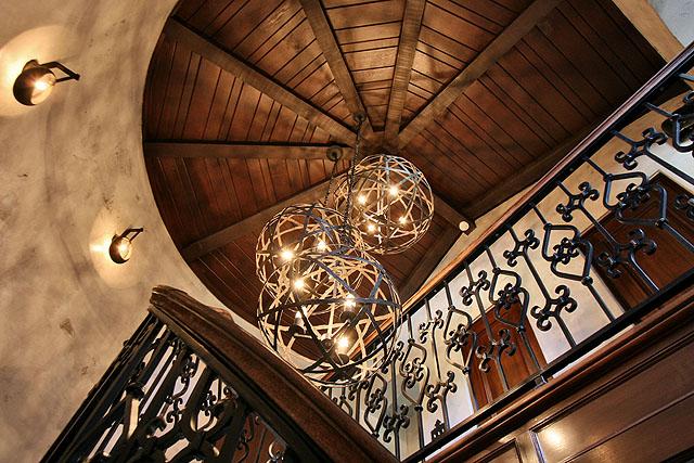 2_40601174_24_Stair_detail_1.jpg