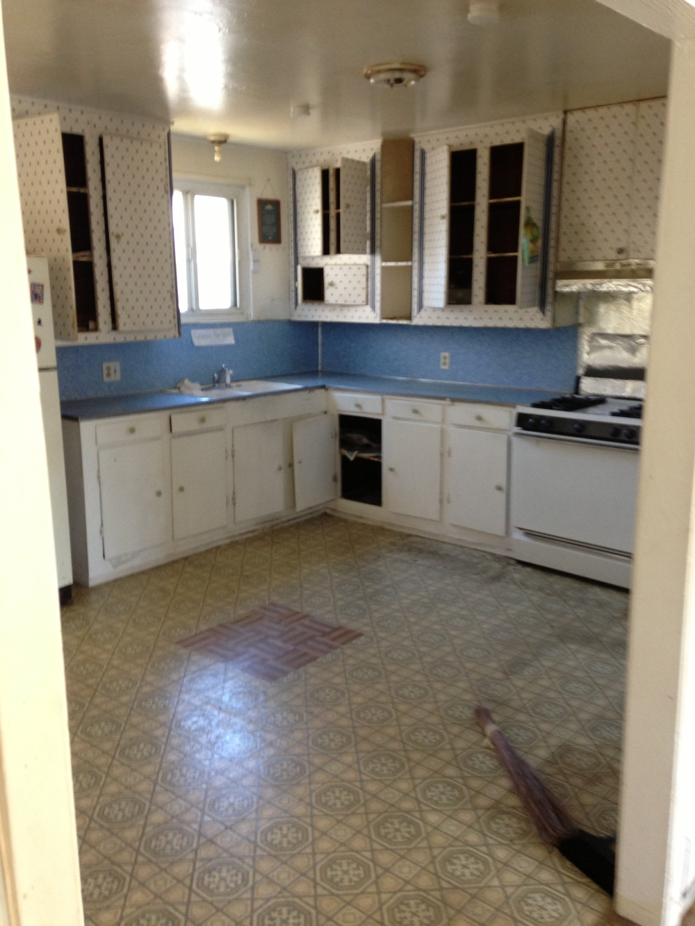Kitchen 3br.JPG