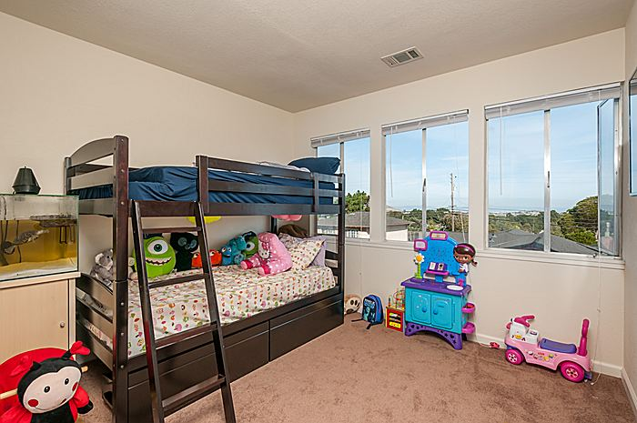 bedroom3_700.jpg