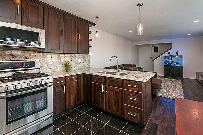kitchen2_700.jpg