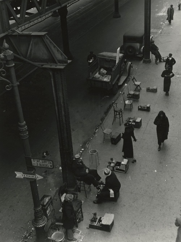 "Aaron Siskind,"" Street Scene 4, harlem, 1937"", Courtesy of H oward Greenberg gallery"