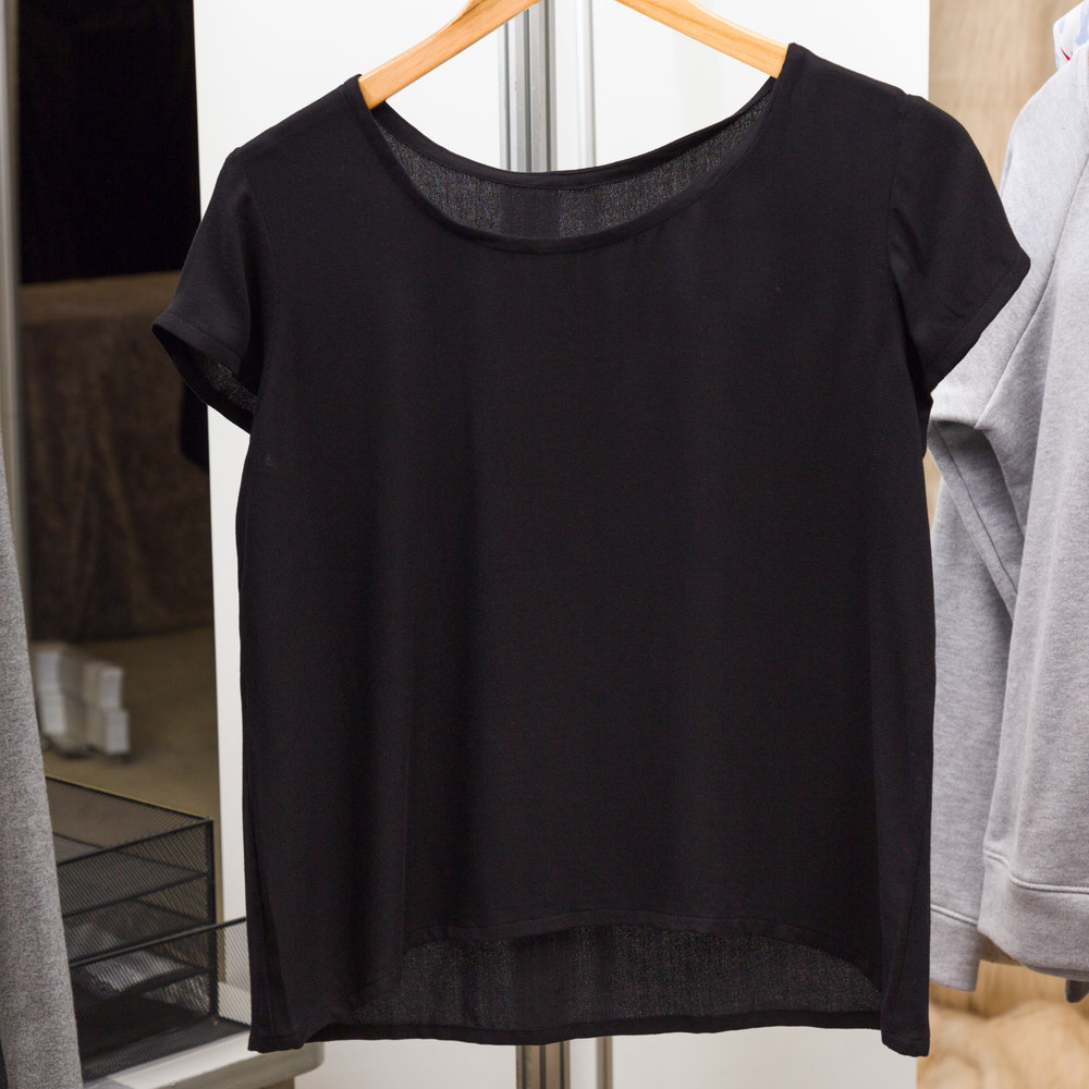 Scout Woven Tee designed by Grainline Studio, made by Christine Haynes, featuring Paris Rayon Crepe(P326-1019 BLACK)