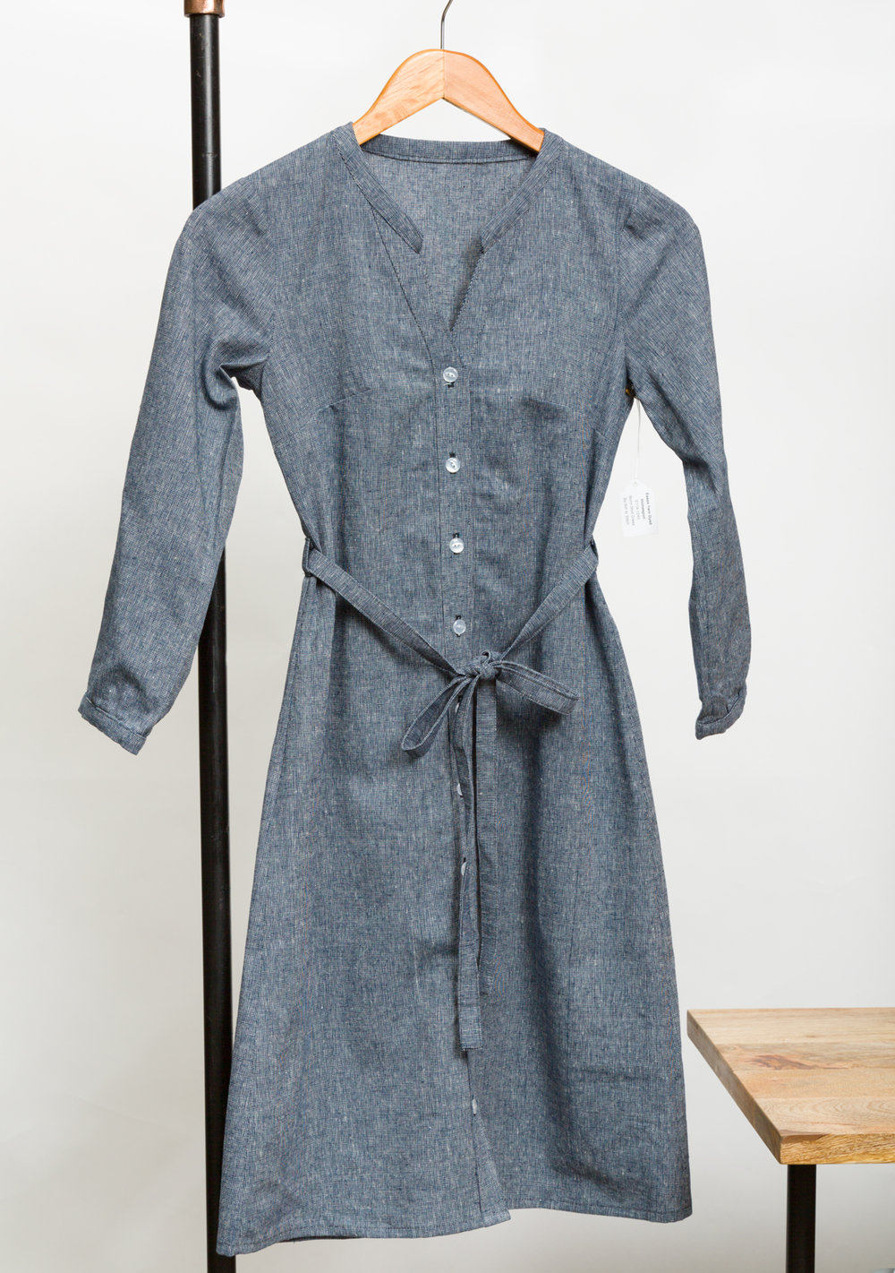 BONN SHIRT DRESS DESIGNED BY ITCH TO STITCH, MADE BY PINK SUEDE SHOE, FEATURING ESSEX YARN DYED HOMESPUN(E114-1243)