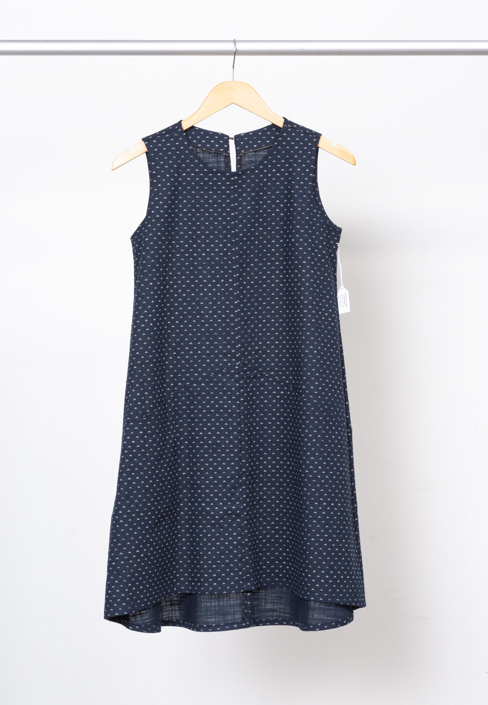 FARROW DRESS   BY     GRAINLINE STUDIO ,  SEVENBERRY: NARA HOMESPUN